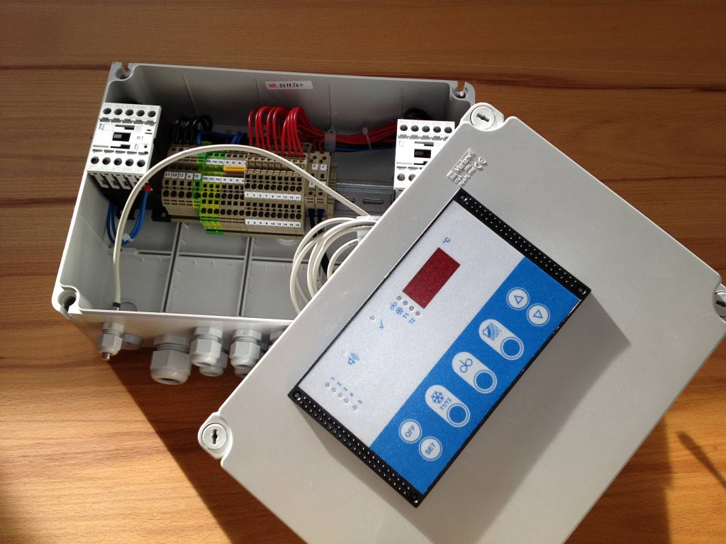 Universal control WTS-100-2  pre-installed in switchbox